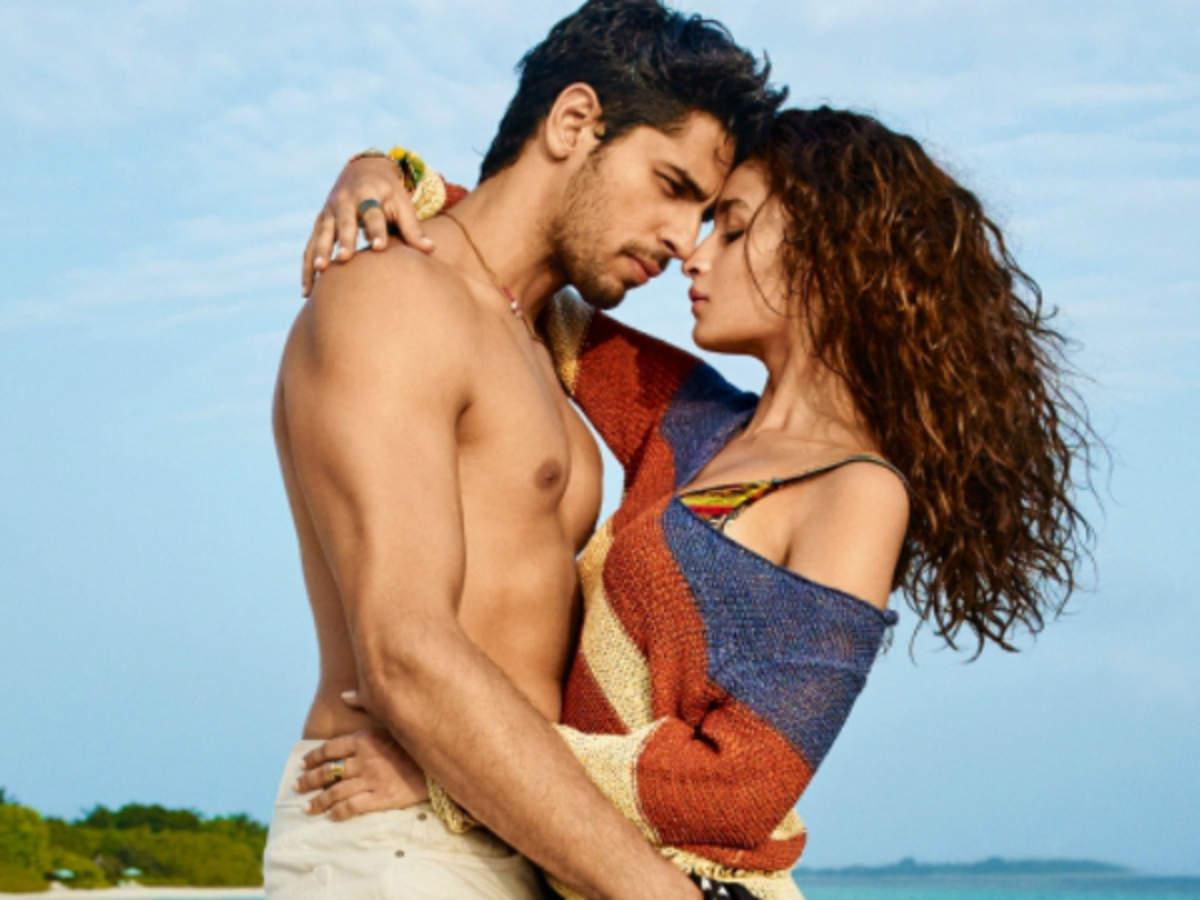 सिद्धार्थ मल्होत्रा ने की आलिया भट्ट की बेईज्जती, कहा उन्हें Kiss करने में....
