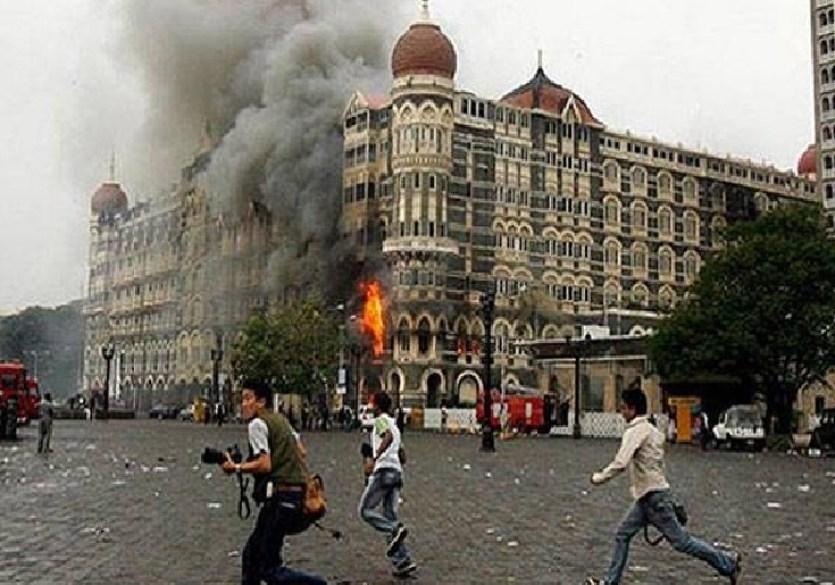 भारत के सामने झुके इमरान खान, मुंबई ब्लास्ट में शामिल 11 आतंकियों को घोषित किया मोस्ट वांटेड