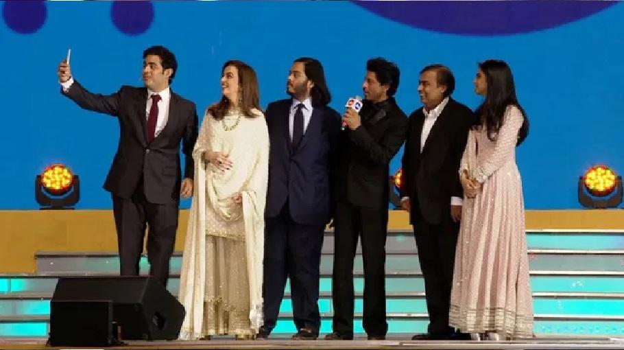 शाहरुख खान ने पूछा मुकेश अंबानी से पैसे से जुड़ा ये सवाल, जवाब से हुई बोलती बंद