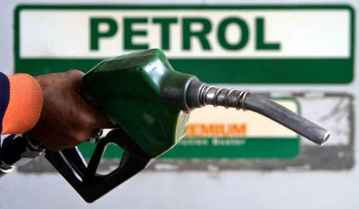Petrol- Diesel Price Today: पेट्रोल-डीजल के भाव में मिली राहत, आज इस दाम में मिल रहा है तेल