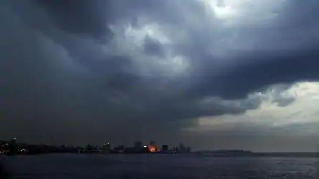 Weather Forecast Updates : इन 2 राज्यों में तेज बारिश, जानिए उत्तर प्रदेश, बिहार और दिल्ली में कैसा रहेगा मौसम