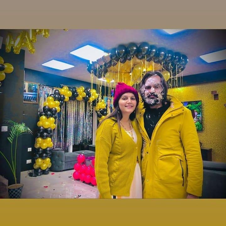 सपना चौधरी ने नन्हे बच्चे के साथ मनाया पति वीर साहू का बर्थडे, मिया बीवी ने पहने एक जैसे कपड़े