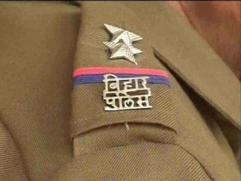 आईपीएस संतोष कुमार ने अपने It स्किल्स से पुलिस को बना दिया Digital