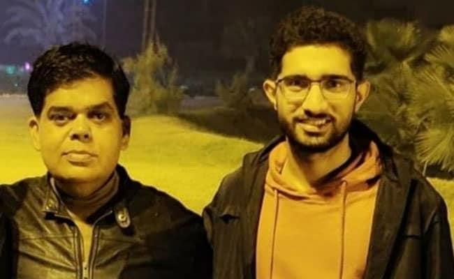 बेटे को पढ़ने के लिए दिल्ली छोड़ने आये पिता की हुई थी मौत, अब बेटा बना महज 22 साल में Ias