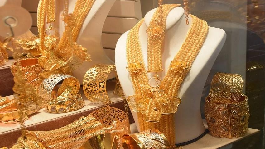 Gold Price Today 2 December 2020 : सोने में आई तेजी अभी खरीदना है मुनाफे का सौदा, इतने में मिल रहा 1 तोला