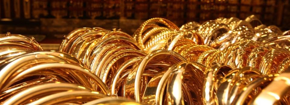Gold Price: सोने और चांदी के भाव में आई तेजी, जानिए कितने बढ़ गये दाम