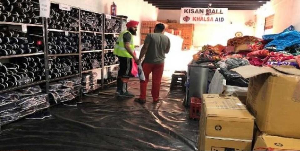 किसान आंदोलन: दिल्ली के टिकरी बॉर्डर पर खालसा ऐड ने खोला शॉपिंग मॉल, मिलेंगी मुफ्त सामान