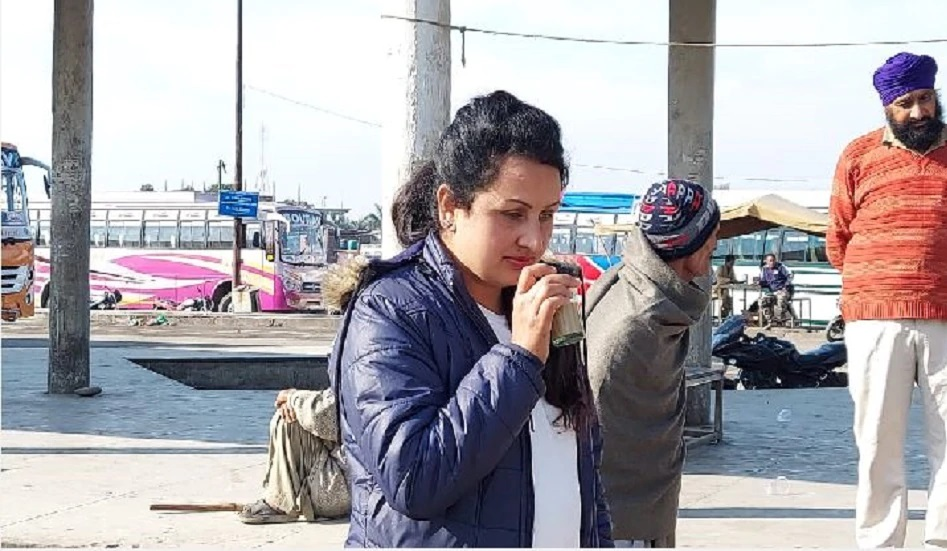 कश्मीर की पहली महिला बस ड्राइवर ने रचा इतिहास, ट्रक भी चला चुकी हैं पूजा