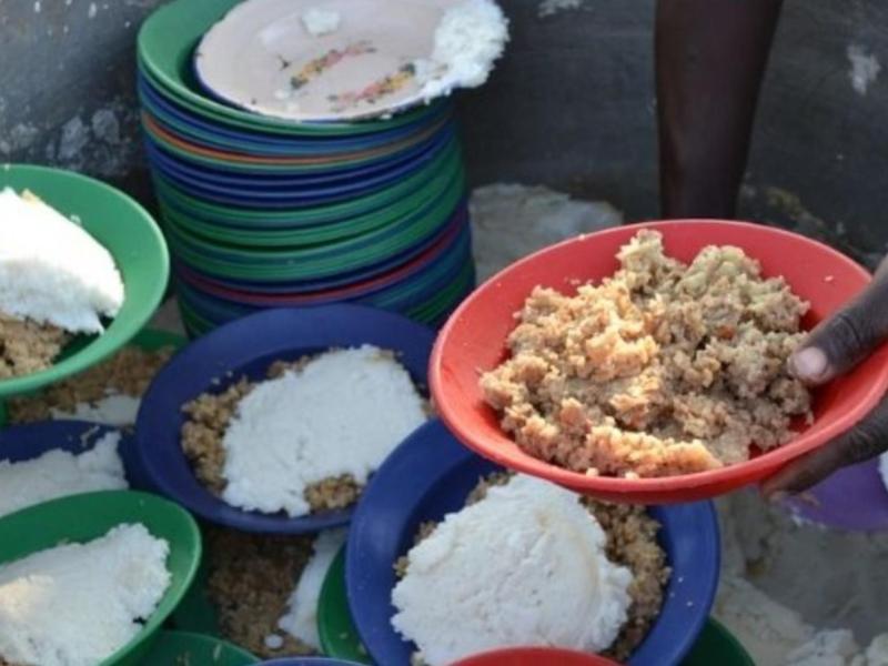 बीटेक का छात्र पिछले 9 सालो से भर रहा गरीबों का पेट