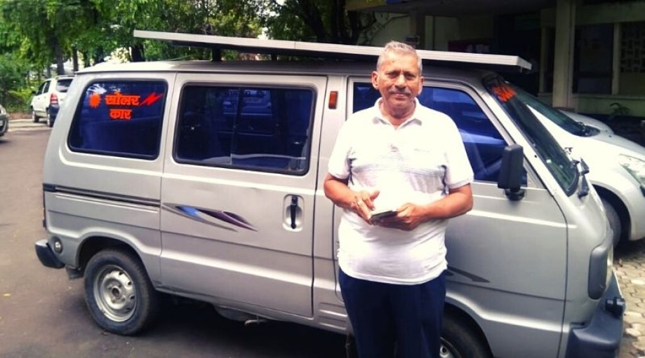 Man from Nagpur made the van a solar van, neither the cost of petrol nor the danger of pollution