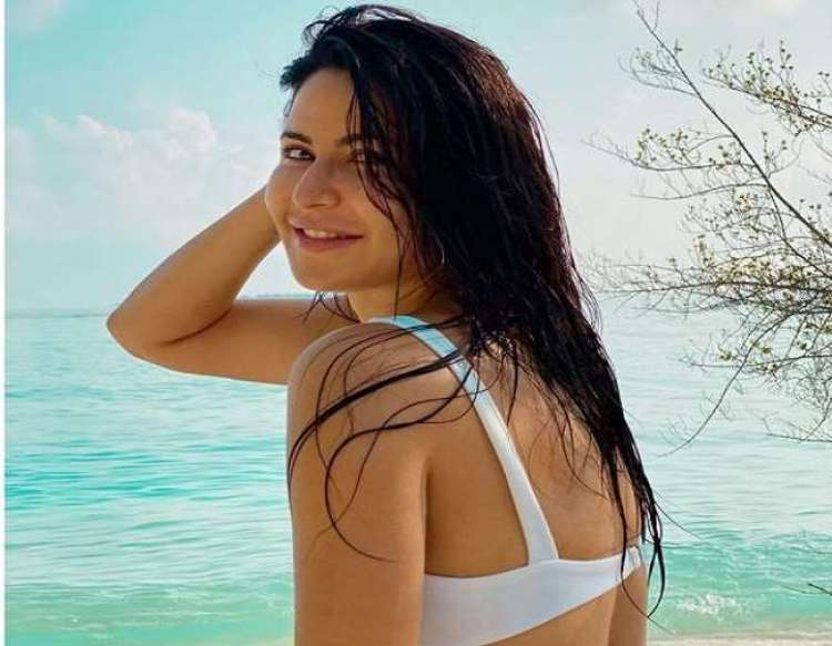In 2020, these 20 beauties wore bikinis to enhance the hearts of fans, see photos