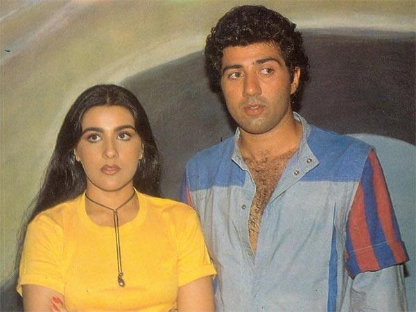 डिंपल कपाड़िया से अमृता सिंह तक इन एक्ट्रेस के साथ जुड़ा था सनी देओल का नाम, पत्नी पूजा ने नहीं छोड़ा साथ