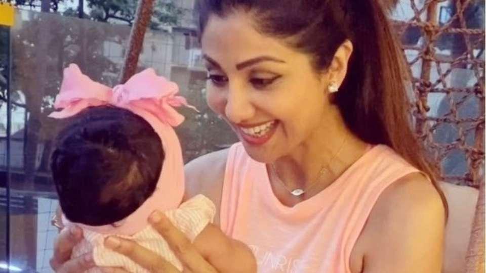 शिल्पा शेट्टी ने नए साल पर फैंस को बेटी समिशा की दिखाई पहली बार चेहरा