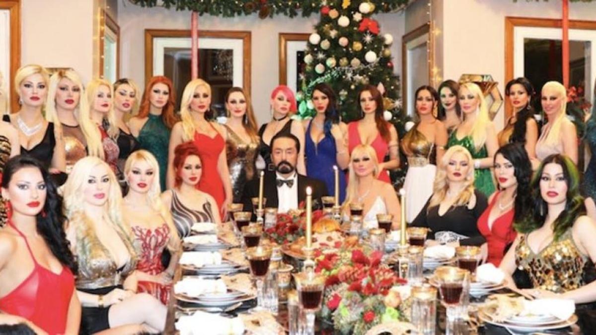 तुर्की के मुस्लिम धार्मिक नेता को मिली 1075 साल की सजा, 1000 'गर्लफ्रेंड' के साथ करता था मजे