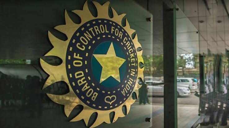 बीसीसीआई ने क्रिकेटरों को दी न्यू ईयर की जबरदस्त सौगात, इतनी बढ़ा दी मैच फीस