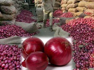 Onion Price: 1 हफ्ते के अंदर ही दूसरी बार प्याज की कीमत हुई कम, अब फूटकर में काफी सस्ती हो गई है प्याज, जानिए क्या हैं नये दाम