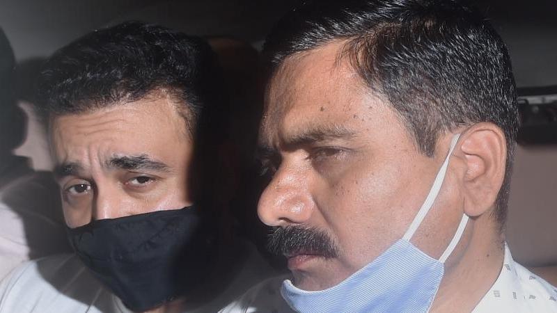 राज कुंद्रा और शिल्पा शेट्टी की बढ़ सकती हैं मुश्किल, उन्ही की कंपनी में काम करने वाले 4 लोग गवाह बनकर आए सामने