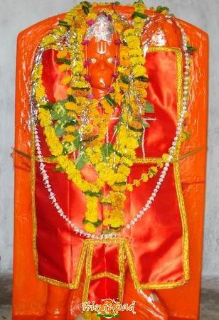 hanuman idol with sindoor