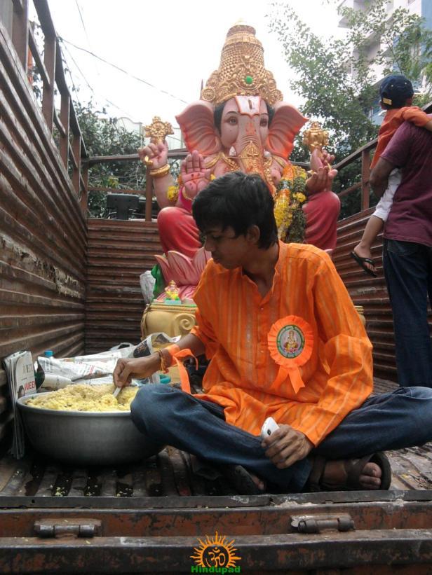 Ganesh immersion in Hyderabad 16