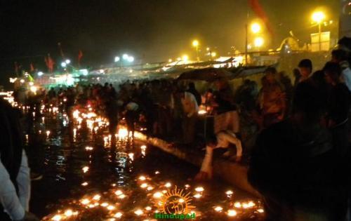 Pilgrimsfloating lamps in Narmada  River