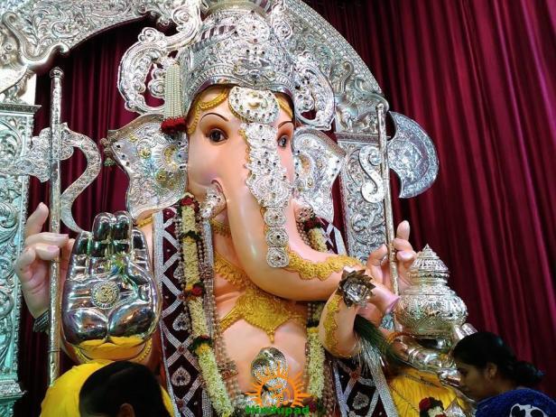 Tulshibaugcha Ganpati 2015