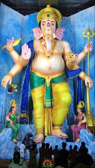72-feet Ganapathi idol 2016 15 at Vijayawada Tallest