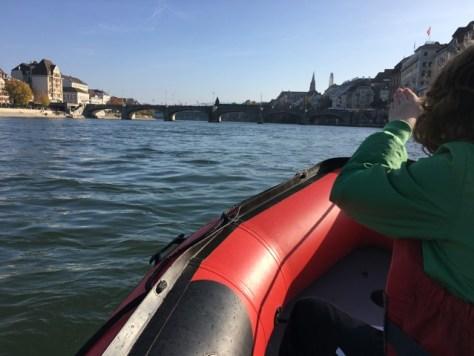 Passen wir unter dem Joch der Mittleren Rheinbrücke durch?