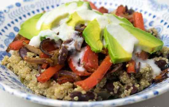 Vegan Fajita bowl with spicy quinoa & avocado by Mindful Chef