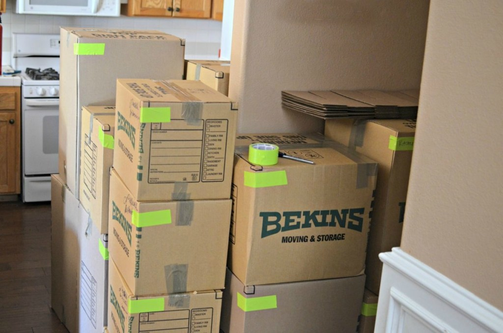 use a different colored tape to assign moving boxes to each room