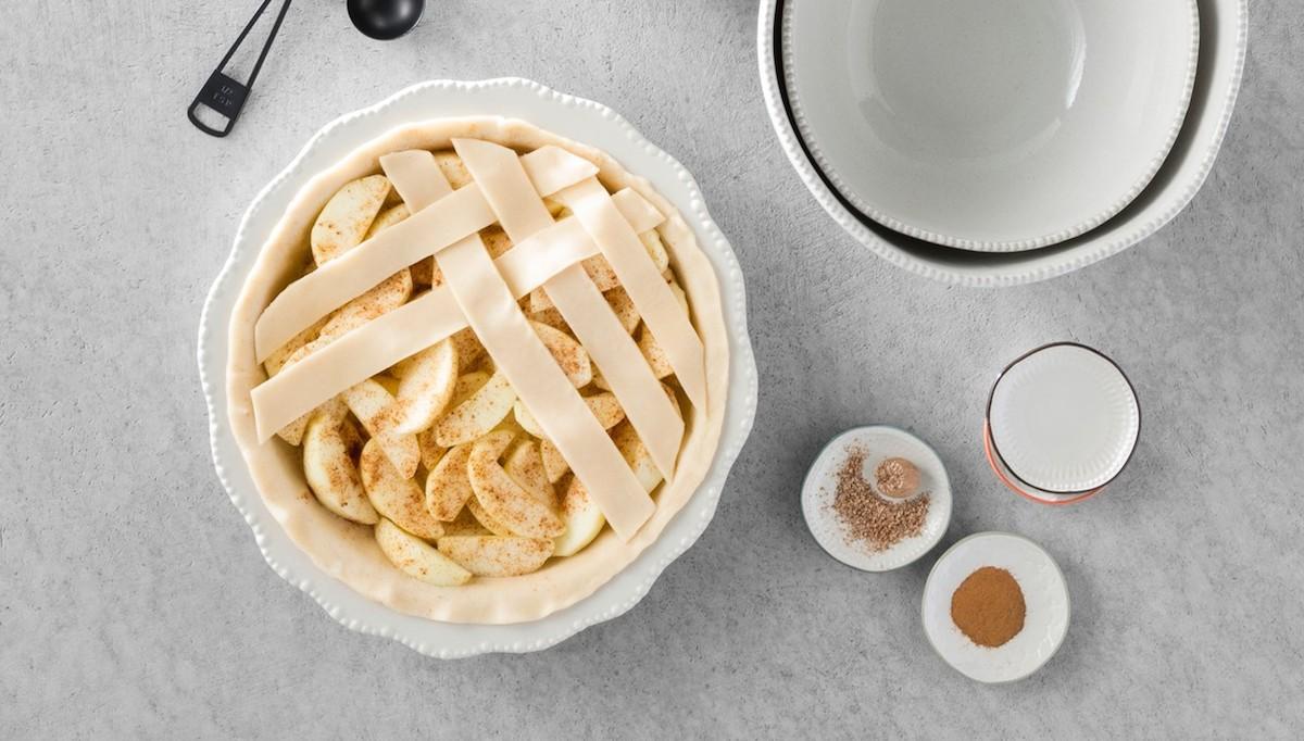 williams sonoma copycat budget lifestyle stoneware pie pan