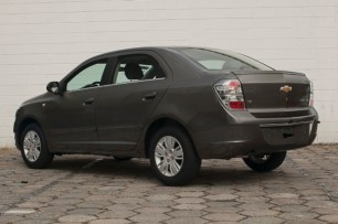 2014-Chevrolet-Cobalt-Brazil-002-medium
