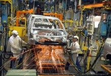 omeçar a trabalhar na fábrica de veículos