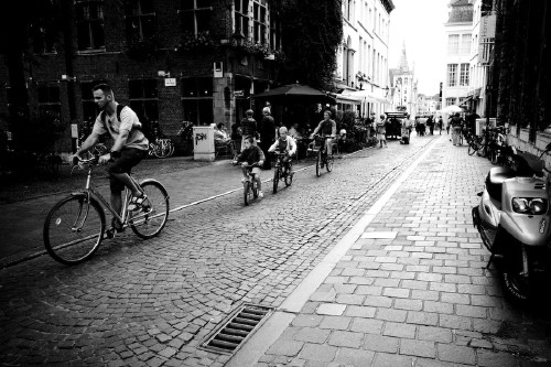 People Use Bycicles