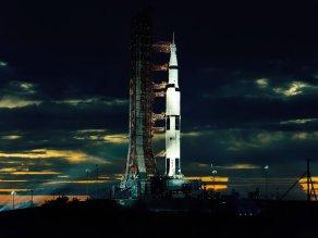 Apollo-Saturn-V-001