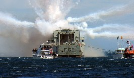 HMNZS Wellington Scuttle new reef cool explosion 5