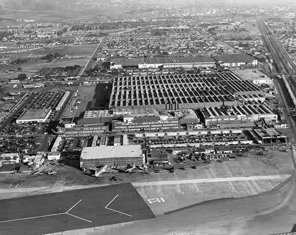 Lockheed California (1) Antes