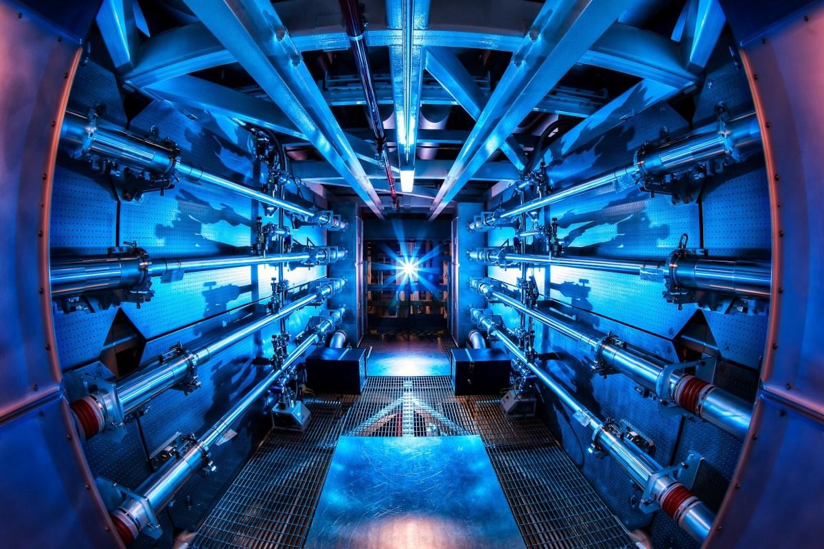 Laser 500 billones vatios 2