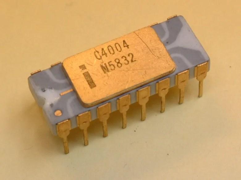 Intel 4004, primer microprocesador de la historia.