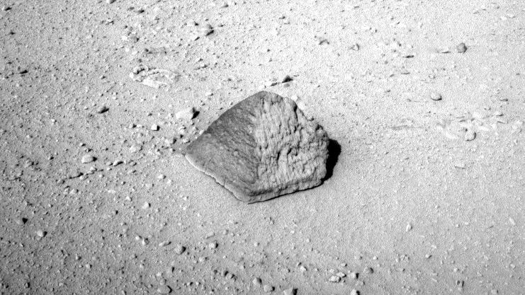 Roca piramidal en Marte