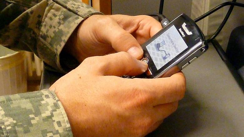 US Army Africa usando blackberry - Pentágono usará terminales de Samsung y Apple