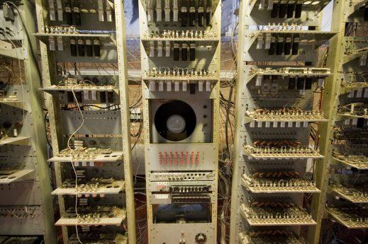 Manchester Small-Scale Experimental Machine (2) - Reproduccion manchester baby