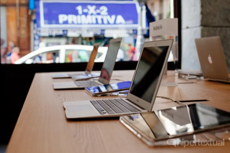 Apple Store Sol-16
