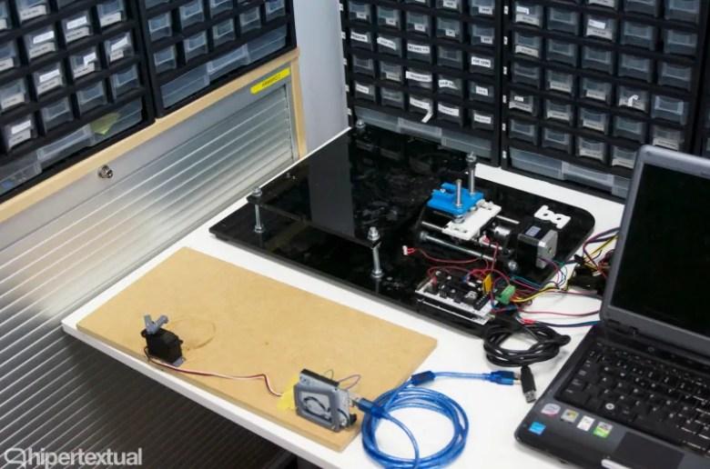 Parte del laboratorio de bq donde realizan el desarrollo y las pruebas de sus productos.
