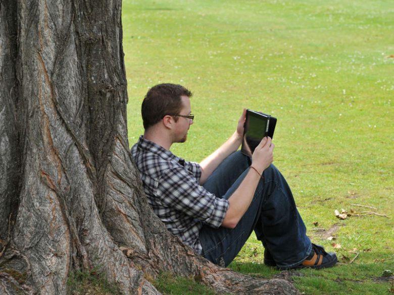 iPad_outdoor