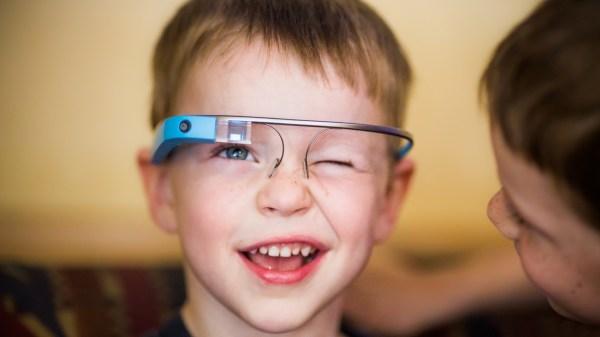 Las Google Glass son uno de los productos más famosos en utilizar la conducción ósea.