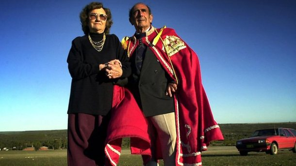 Principe Leonard Casley con su esposa, la princesa Shirley. <a href=