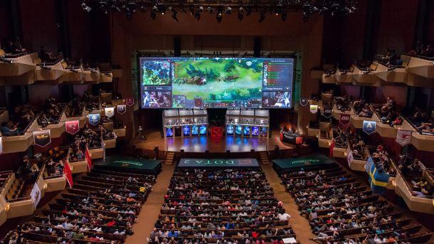 Los estadios se llenan, millones de personas ven las finales de los mundiales de Dota 2. La industria de los eSports es un negocio que mueve miles de millones de dólares al año.