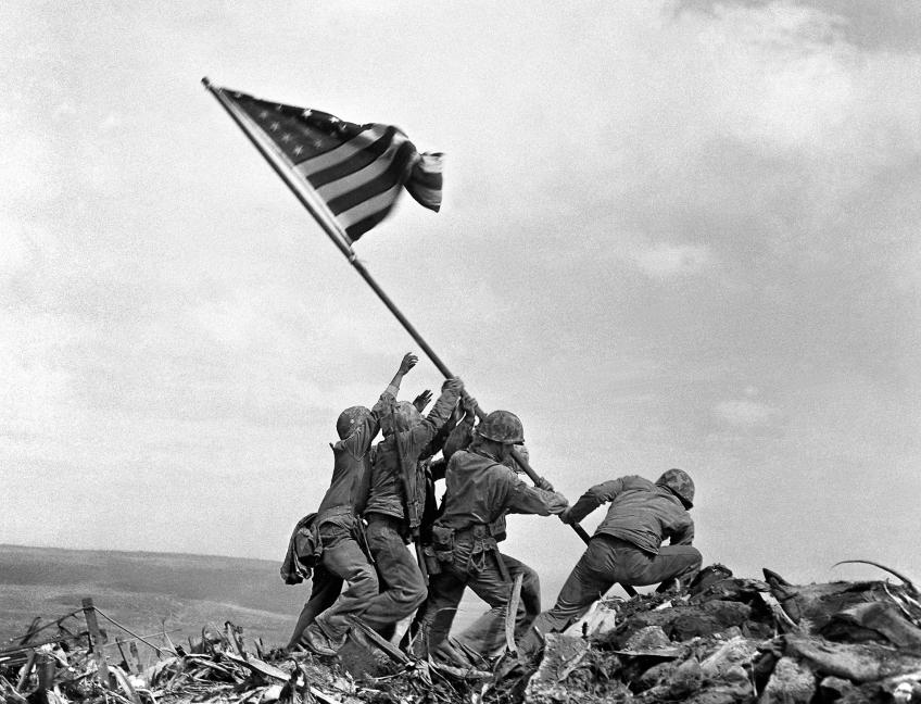 bandera en Iwo Jima