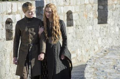 dean-charles-chapman-as-tommen-baratheon-and-lena-headey-as-cersei-lannister-_-photo-macall-b-polay_hbo