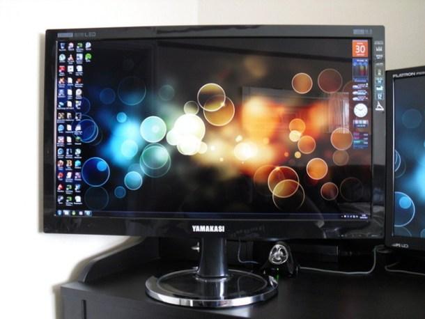 Monitor de la marca Yamakasi, pese a su diseño es uno de los monitores más famosos.